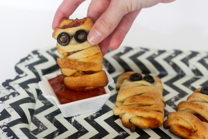 halloween-mummy-pizza-bites-23-copy-1